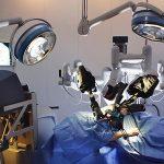 Robot u ulozi kirurga