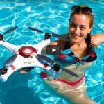 Dron leti, pliva, roni